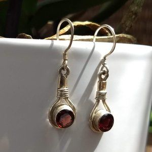 silver hook dangle round garnet earrings vintage